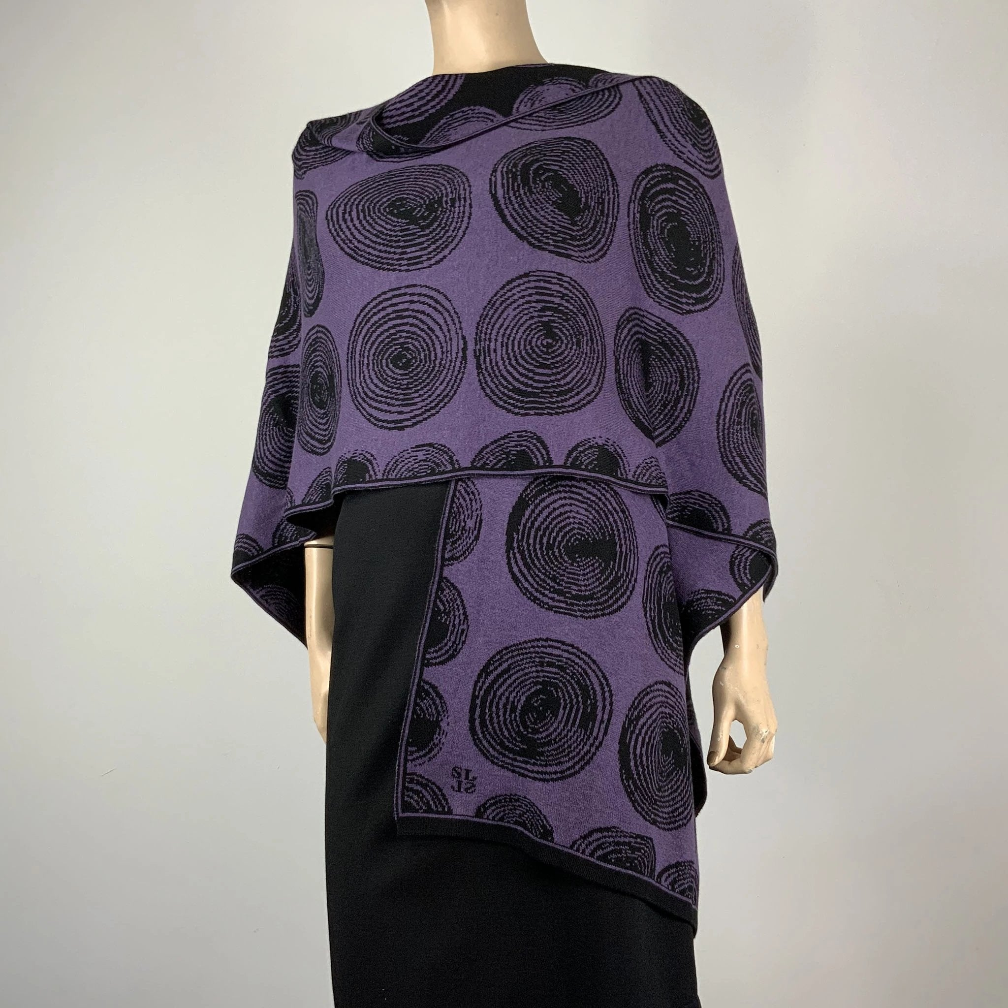 Spirals Cape Purple & Black