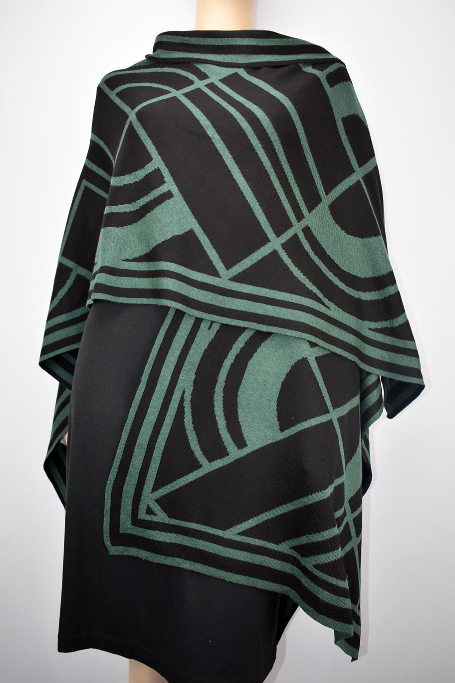 Deco Cape Hunter Green and Black