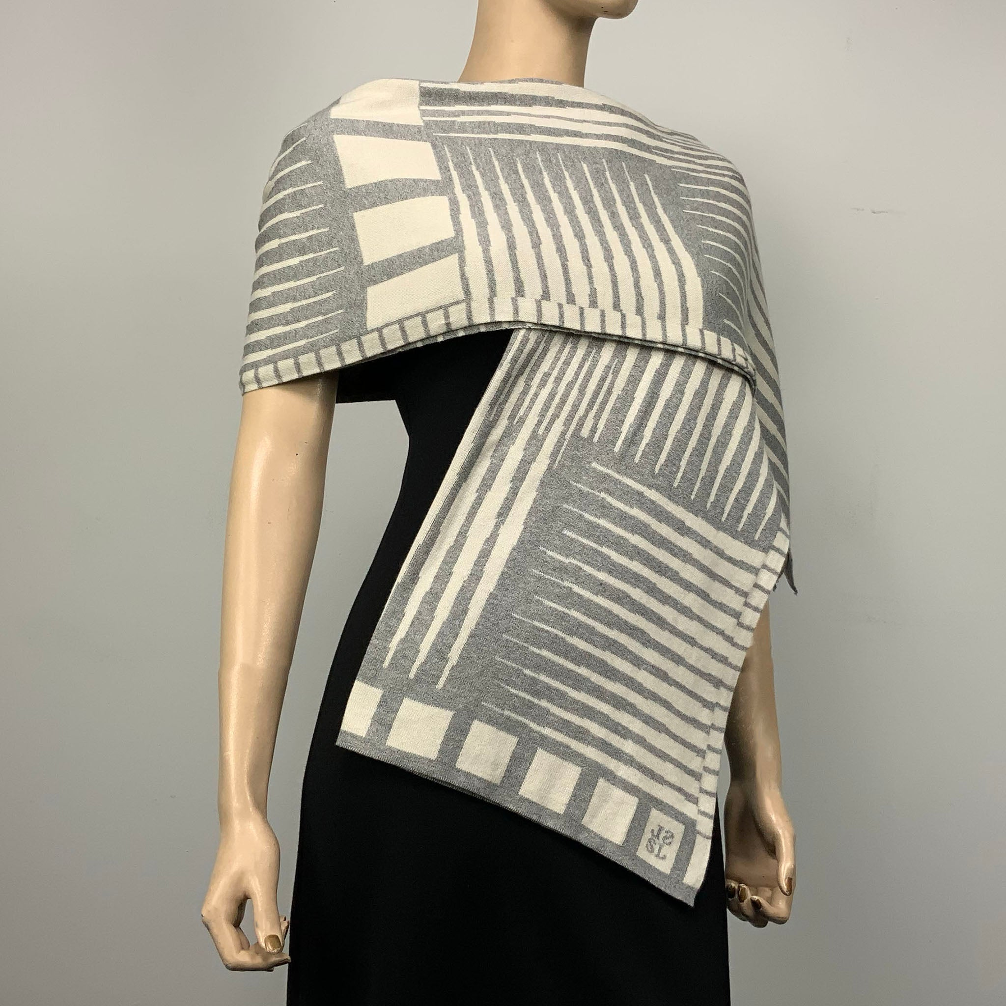 Khalo: cream/light grey Shawl Scarf Wrap