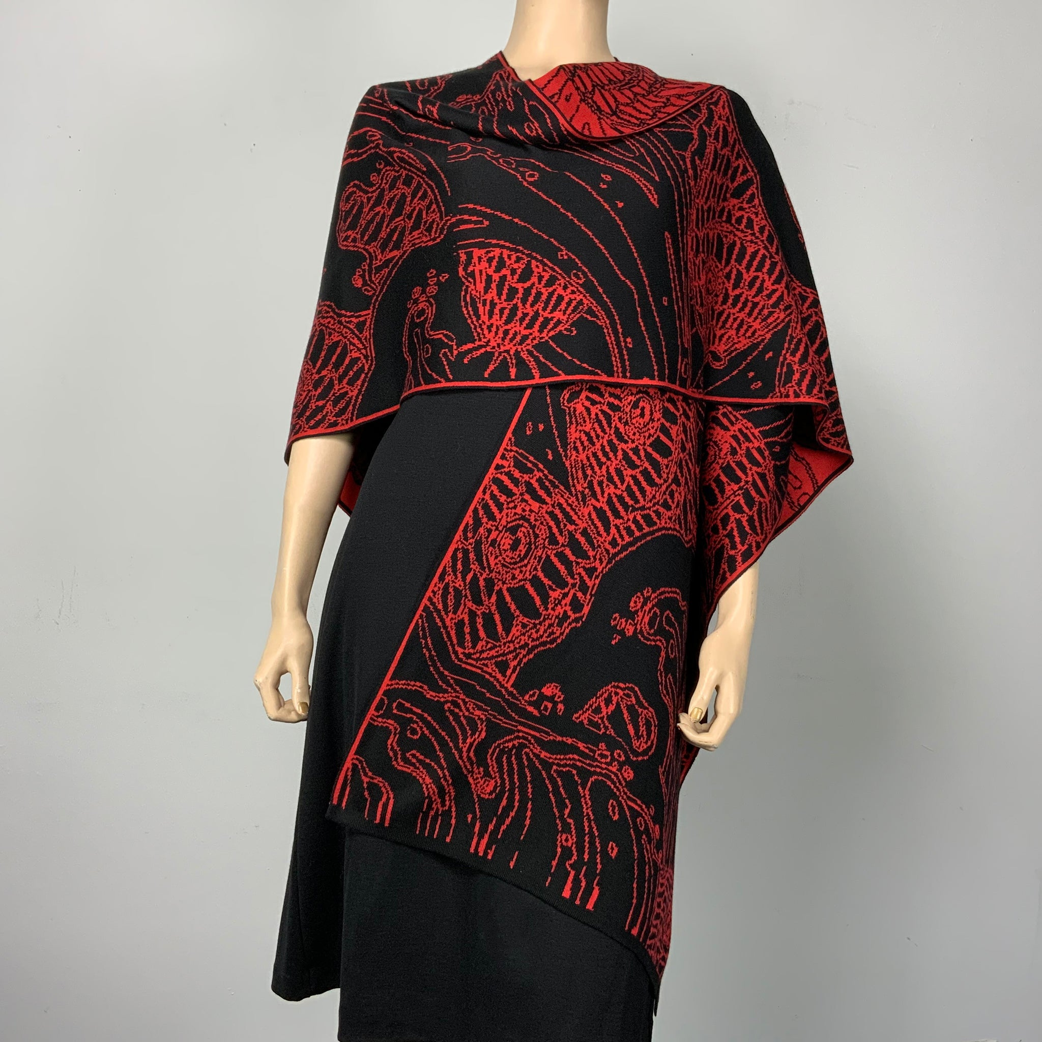 Pices Cape Black and Red