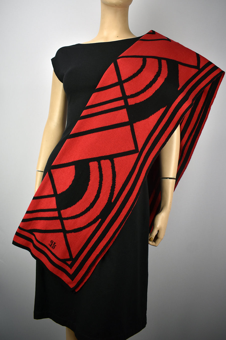 Deco  Red and Black