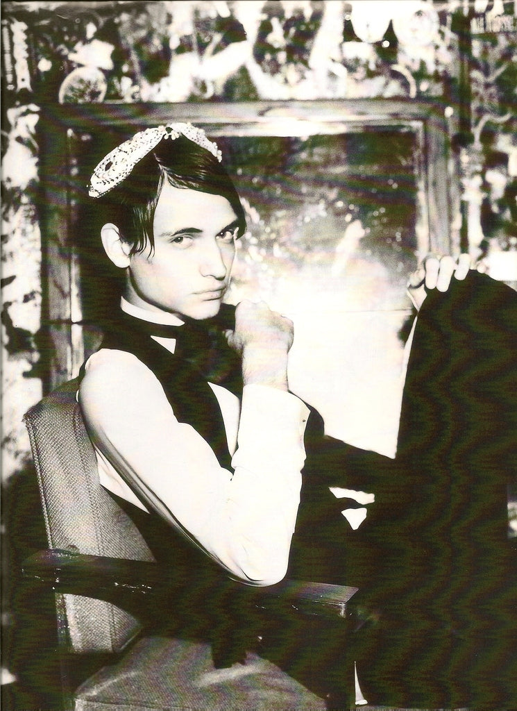 Photoshoot by Ellen Von Unworth atCBGB's