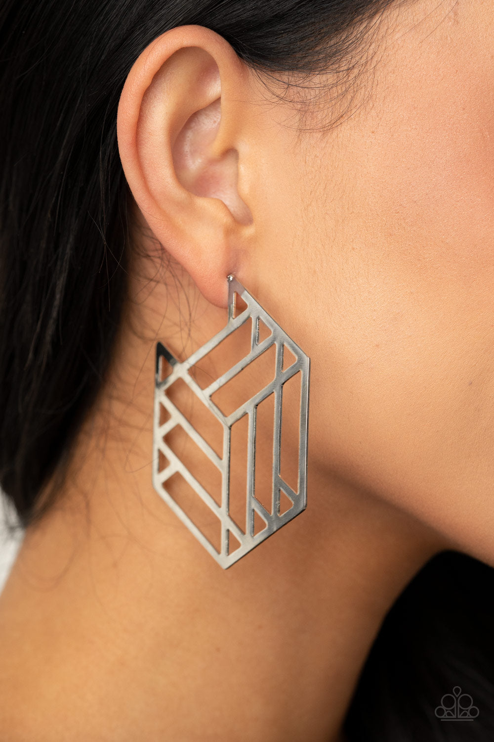 Gotta Get GEO-ing Paparazzi Earrings-Silver