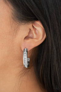 5th Avenue Fashionista Paparazzi Earrings-Black