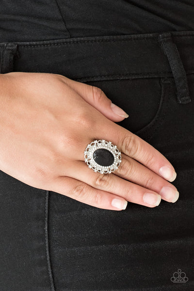 BAROQUE The Spell Paparazzi Ring-Black