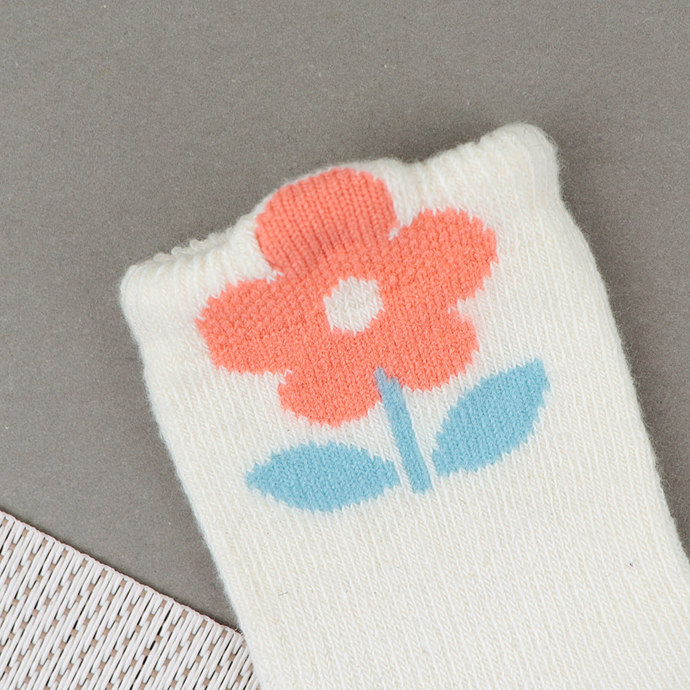Babies Flower Pattern Super Soft Socks New born to 6 Months (BS-10516)