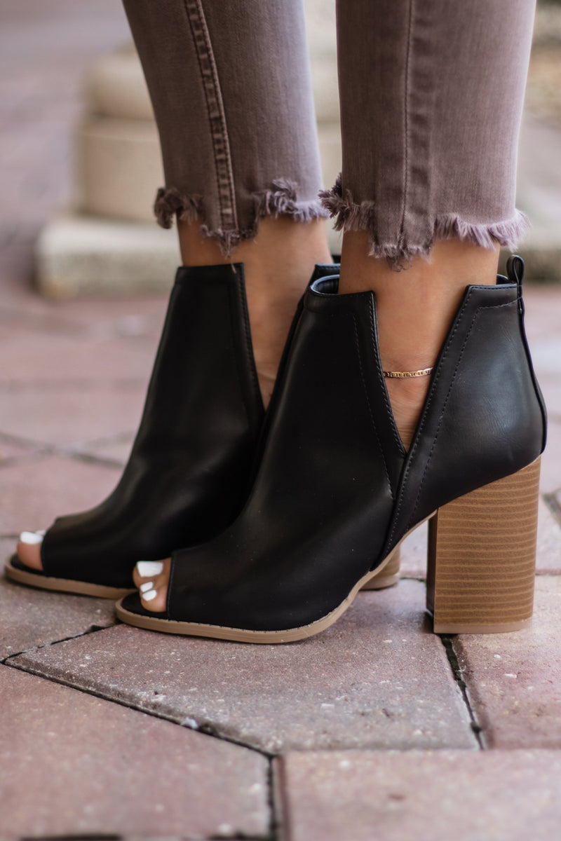 Black Brammer Bootie - Hollie's Boutique