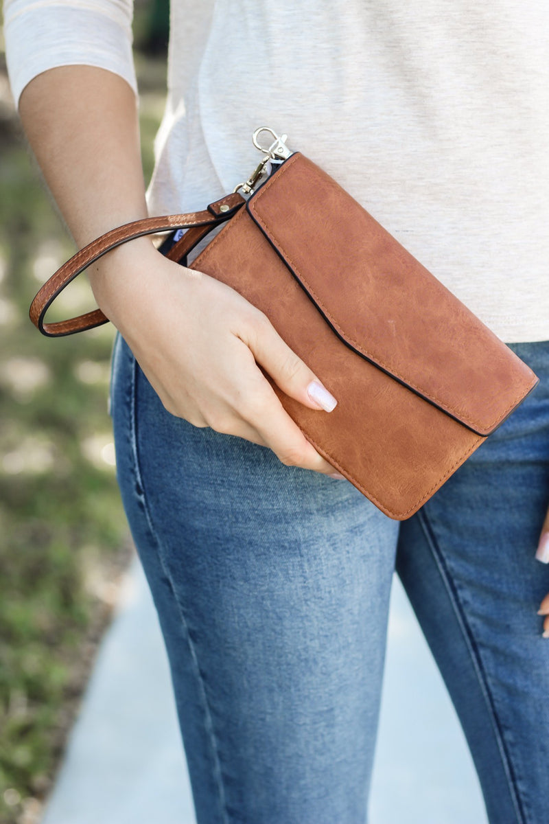 Dani Touch Screen Crossbody In Light Brown - Hollie's Boutique
