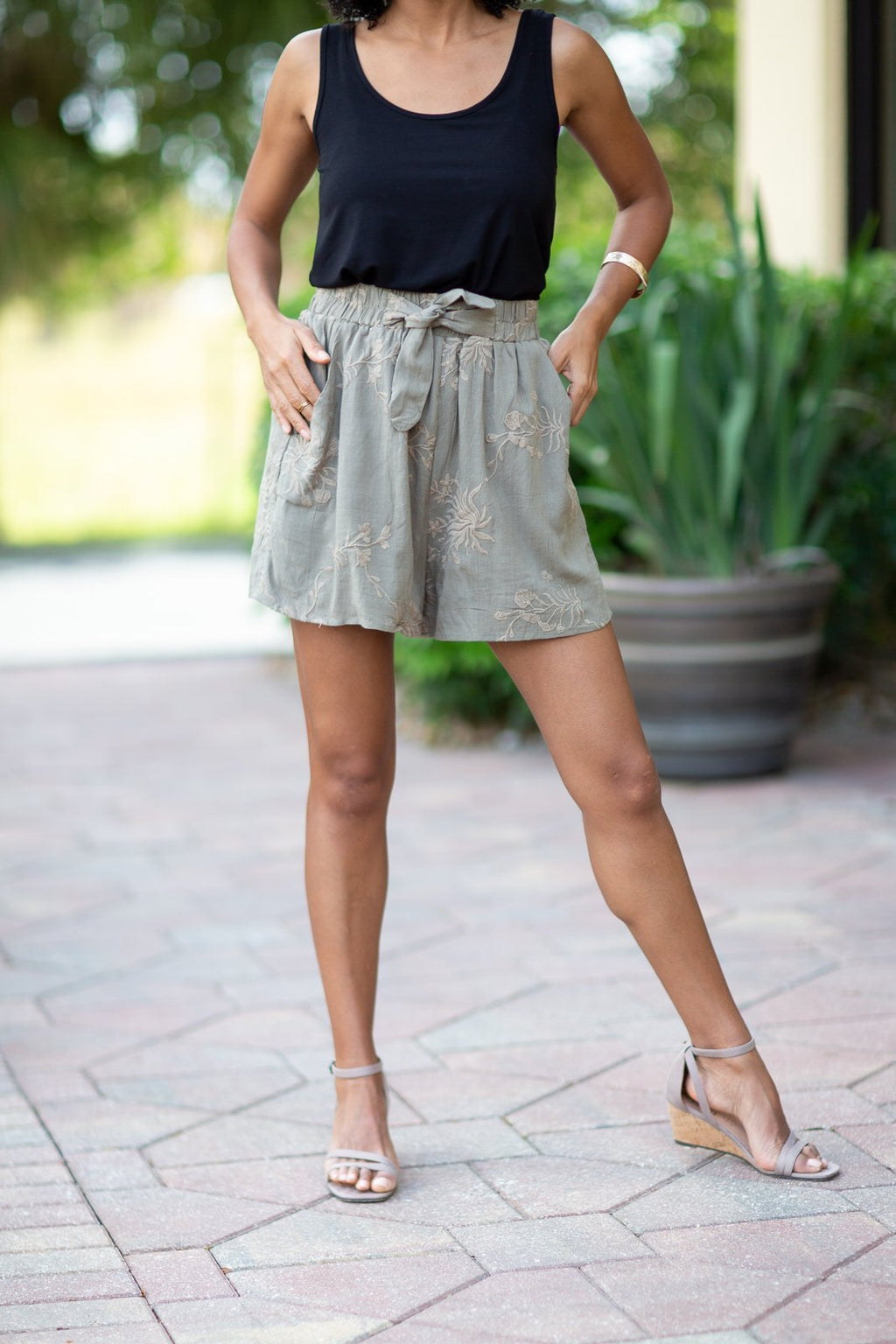 Give Me A Feeling Embroidered Shorts - Hollie's Boutique