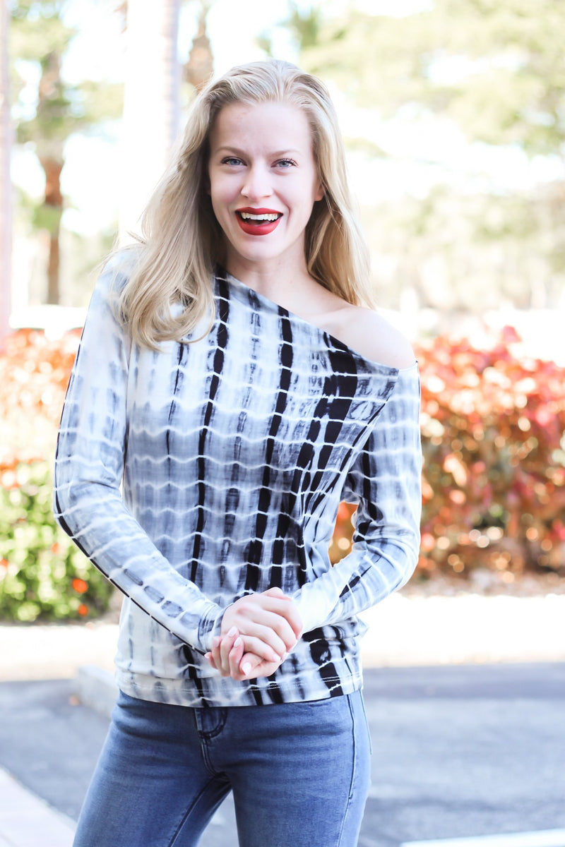 Hopelessly Devoted Long Sleeve Top - Hollie's Boutique