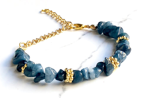 The Wrist Chipper in Blue Quartzite