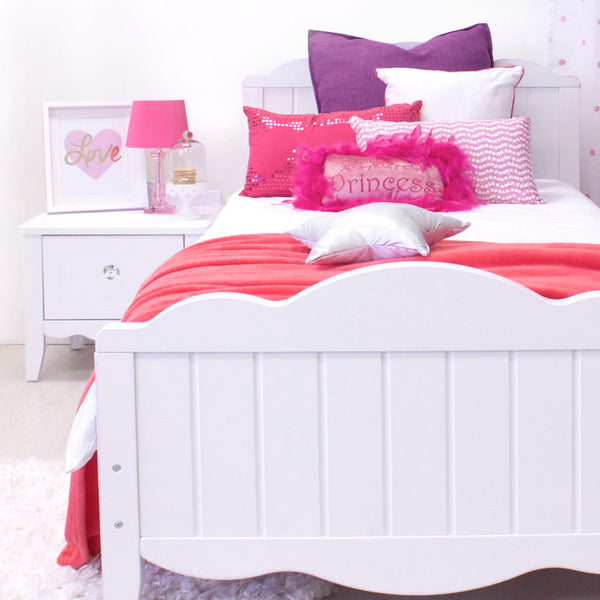 Ruby Bed - Three Quarter - CLM Home