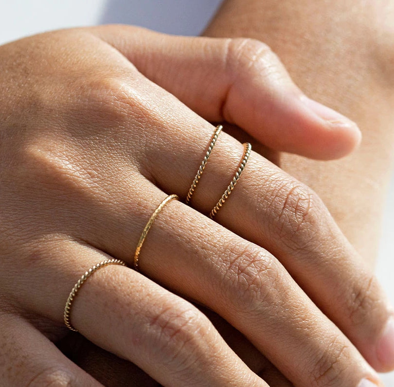 Golden Skinny Twist Ring