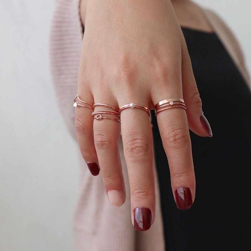 Skinny Twist Ring Rose Gold