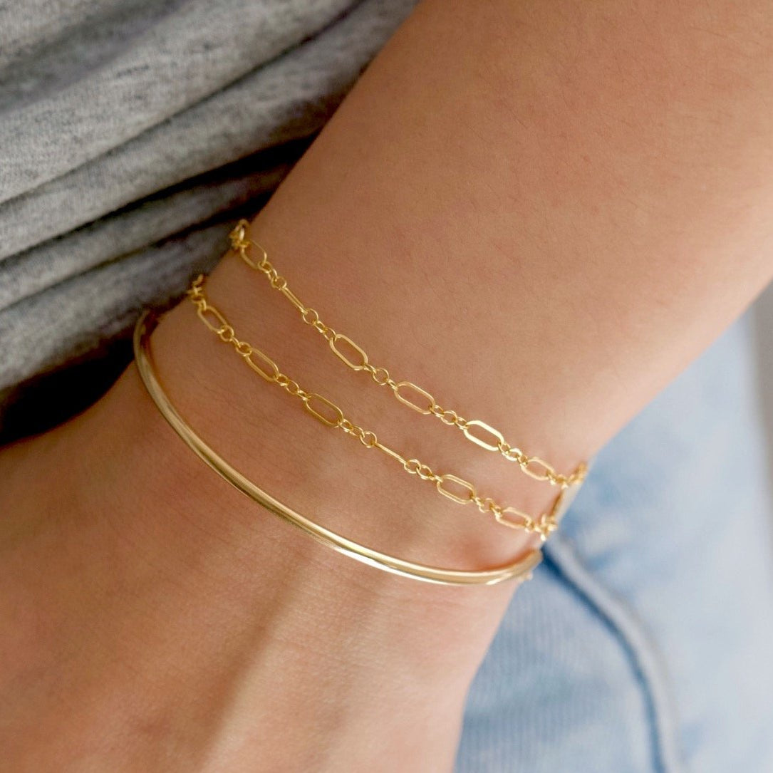 Sleek Gold Chain Bracelet