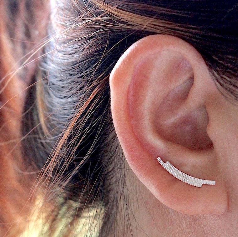 Curve Bar Ear Climber
