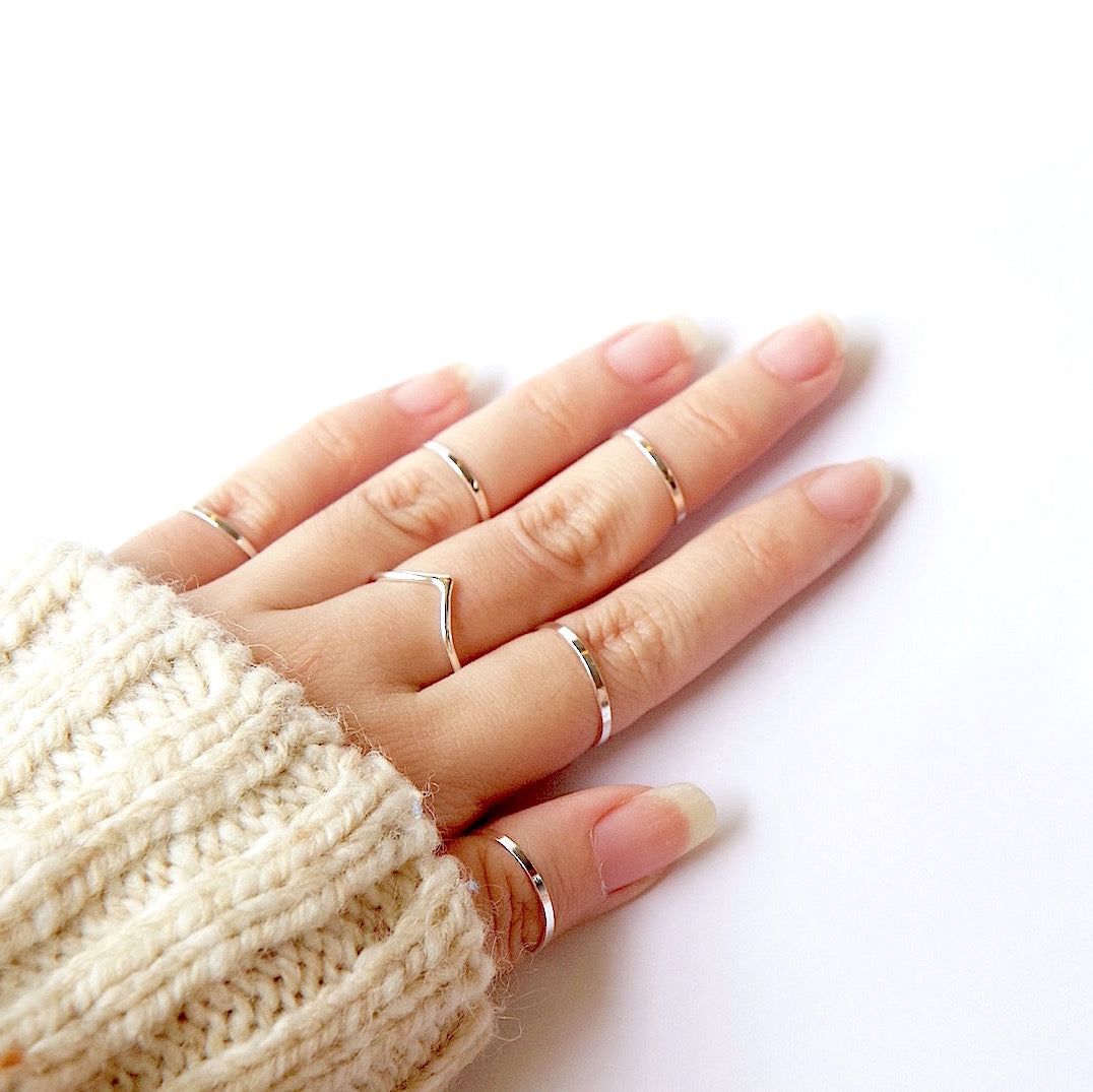 Skinny Knuckle Ring Gold