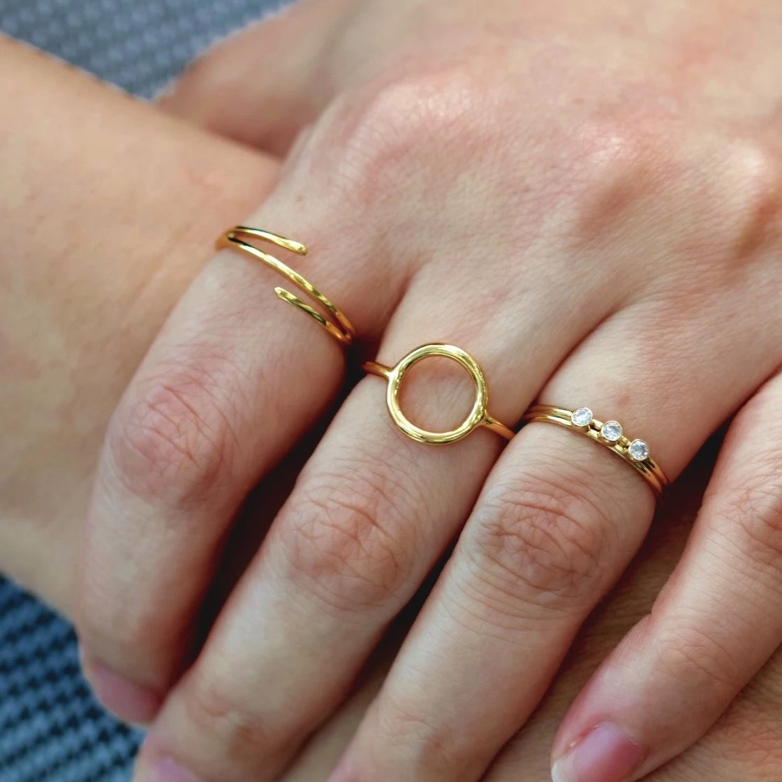 Perfect Circle Ring Gold