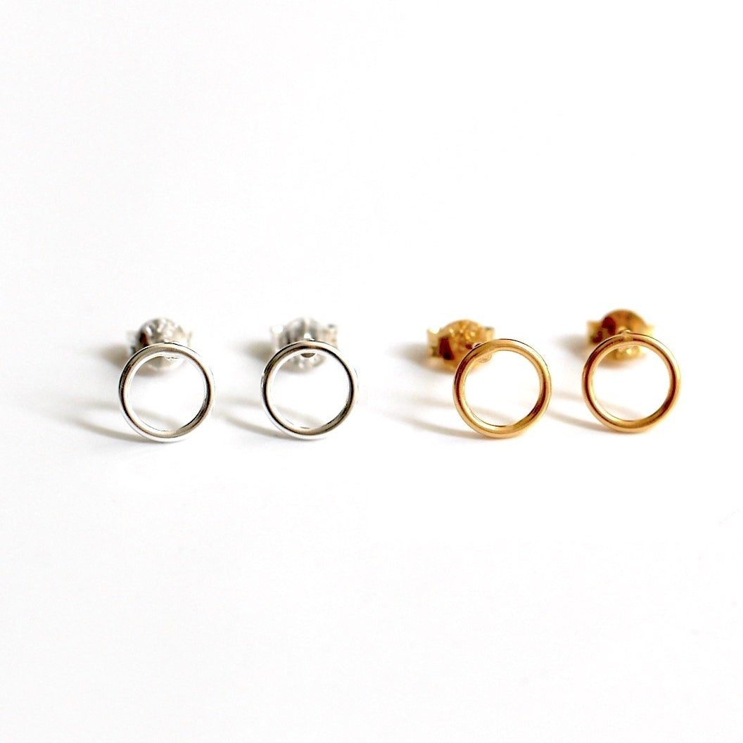 Timeless Circle Stud Earrings