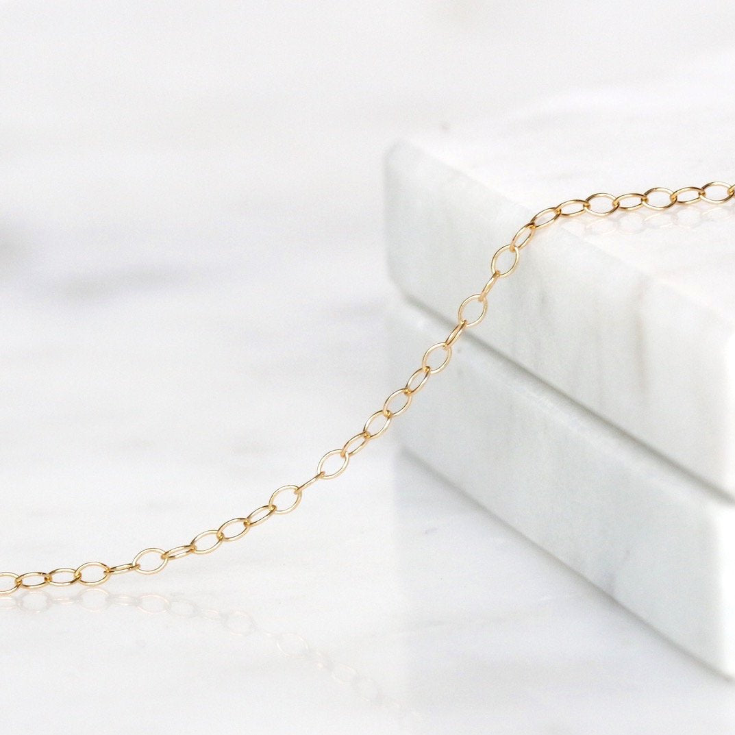 Barely There Chain Choker Gold