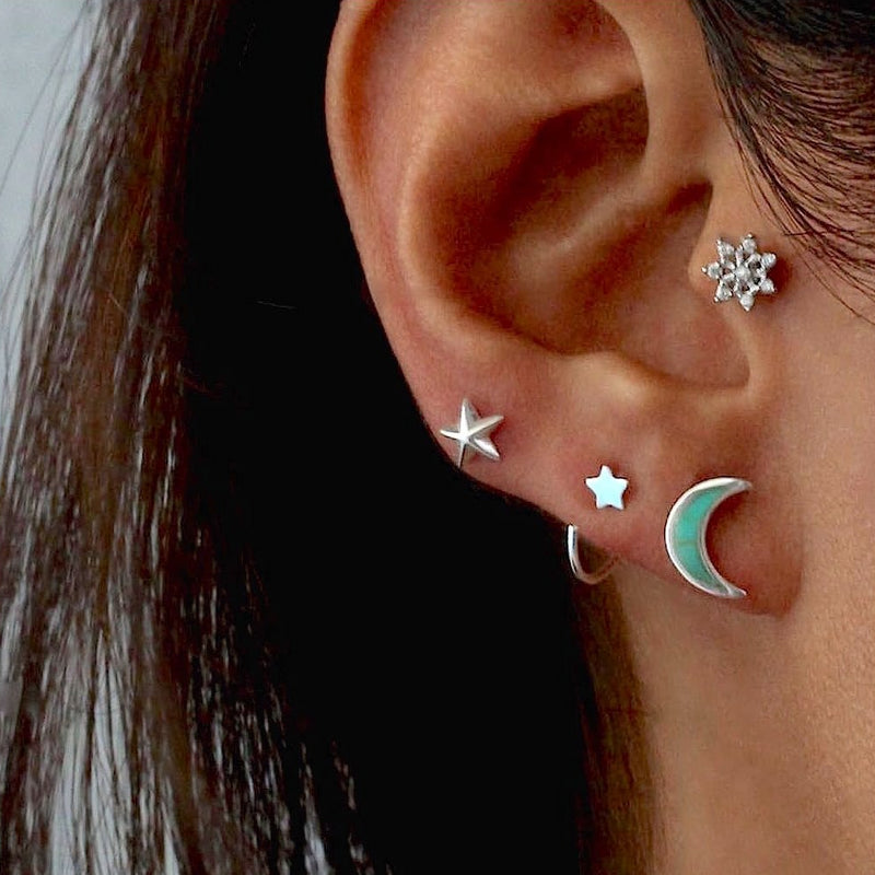 Milky Star Stud Earrings