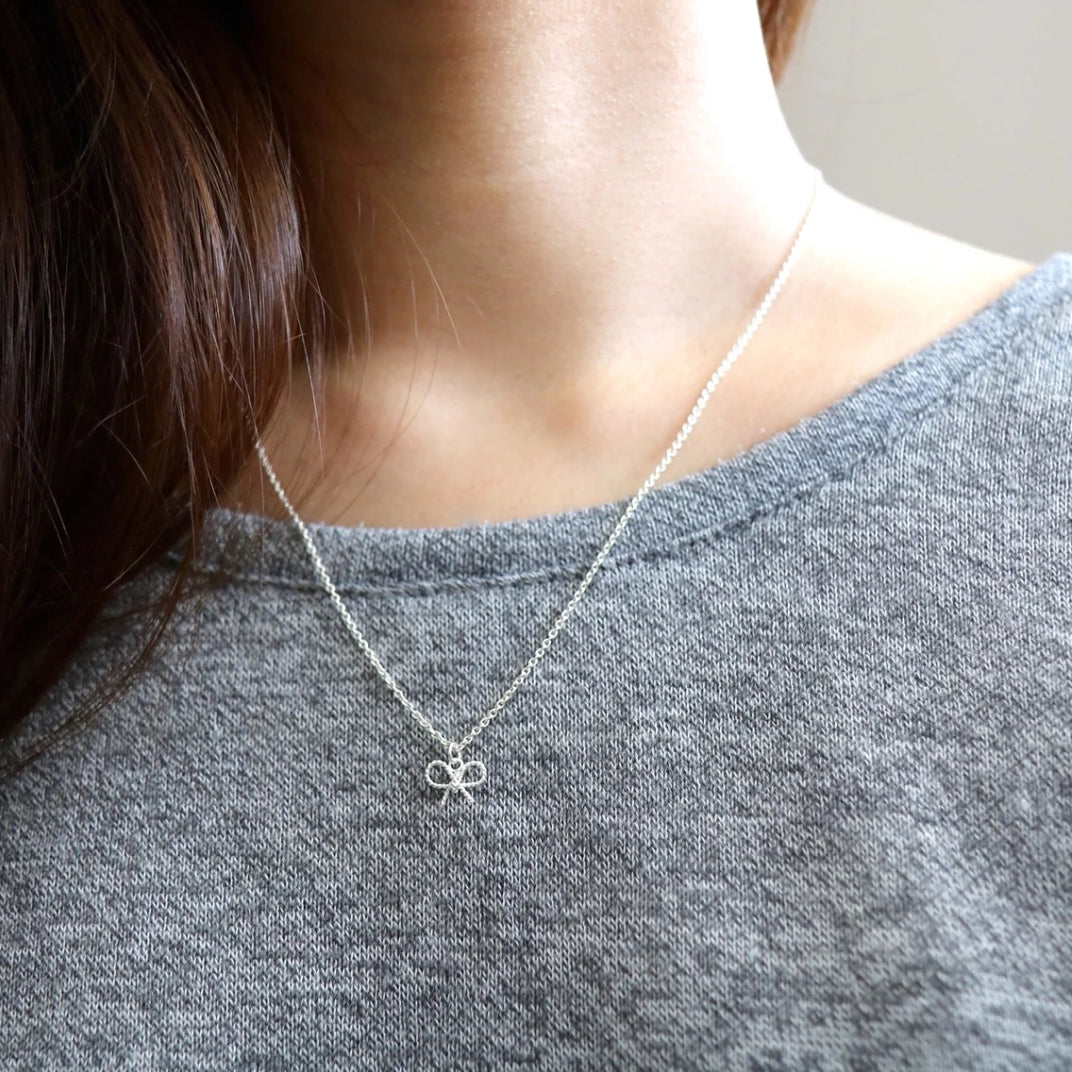 Sweet Bow Necklace
