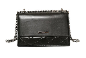 Gionni-Chain Feat. Quilted Bag Black | Eve & Ranshaw