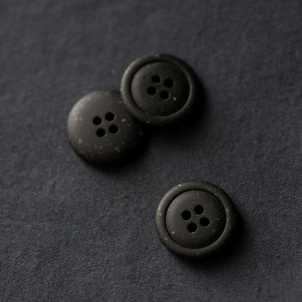 Merchant & Mills - Recycled Resin Button - Nero - 20mm
