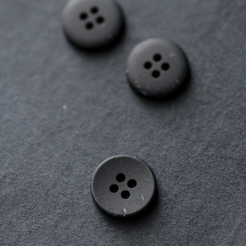 Merchant & Mills - Recycled Resin Button - Speckled Ink - 18mm
