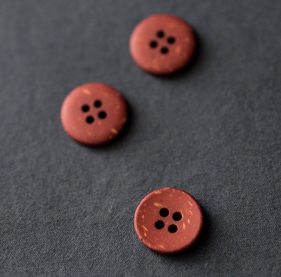 Merchant & Mills - Recycled Resin Button - Speckled Brick - 18mm
