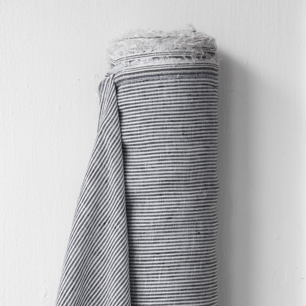1/2m Linen - Lightweight Yarn Dyed Stripe - Pencil Stripe - B&W