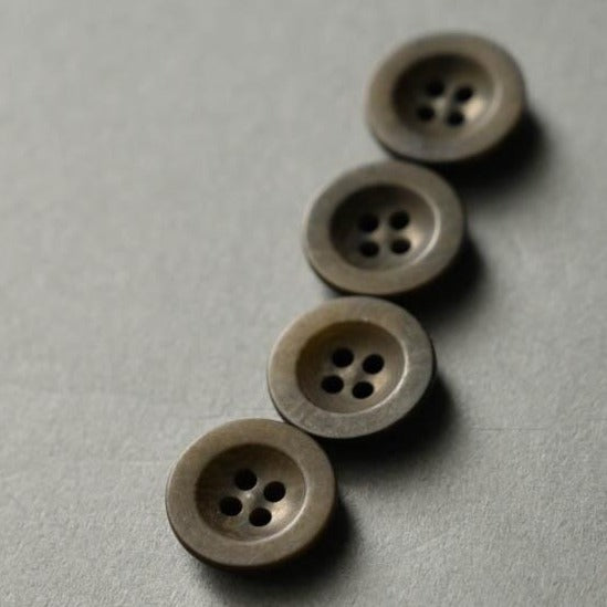 Merchant & Mills - Matte Corozo Button - Khaki - 18mm