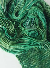 Load image into Gallery viewer, Merino 4 ply high twist - Greenspace