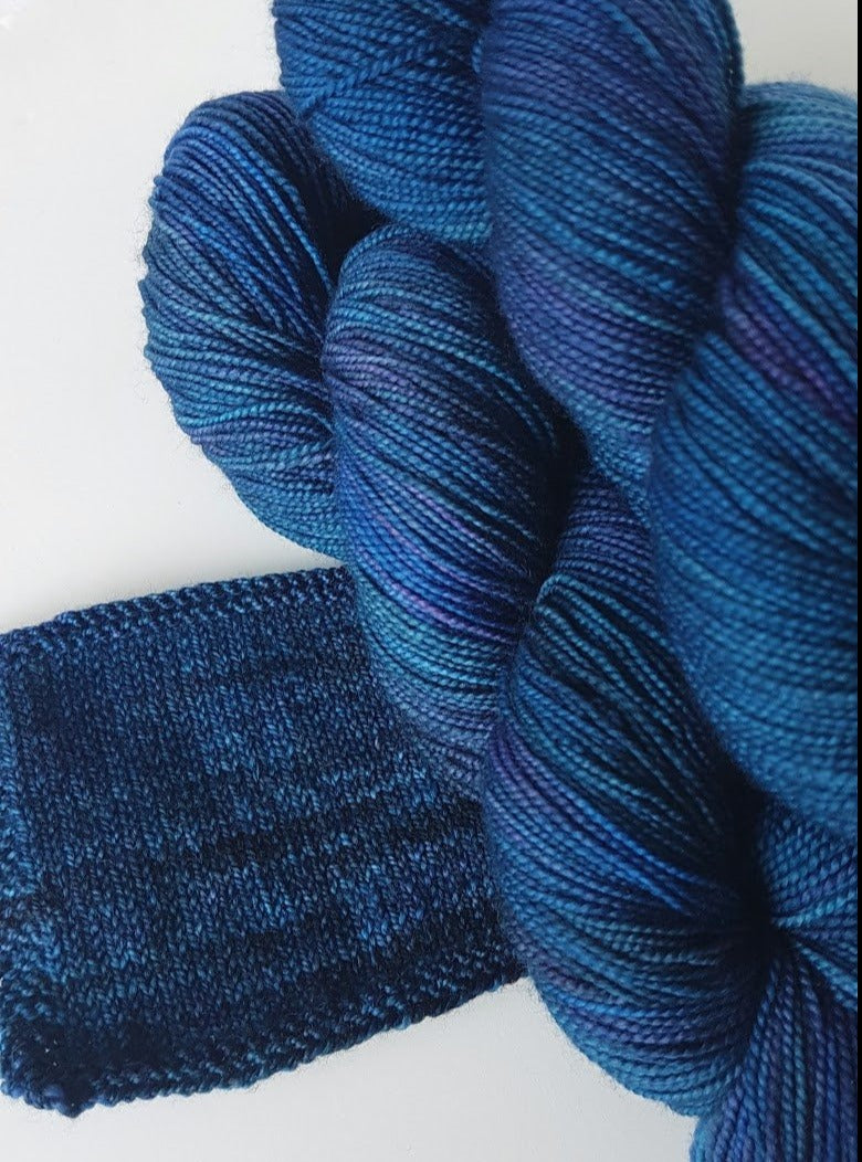 Merino 4 ply high twist - Dragonscales