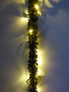 UK-Gardens 2m Prelit Holly Tinsel Garland - Battery Operated - Gold, Red, White. (Gold)