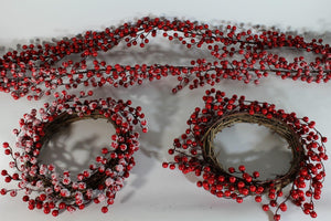 45cm PLAIN 15mm Red Berry Wreath
