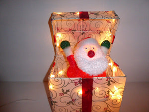 UK-Gardens 30cm Animated Santa in Popping Out Gift Box - Novelty Christmas Decoration