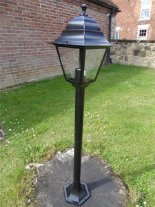 Victorian Garden Lamp Post - 1m Pathway