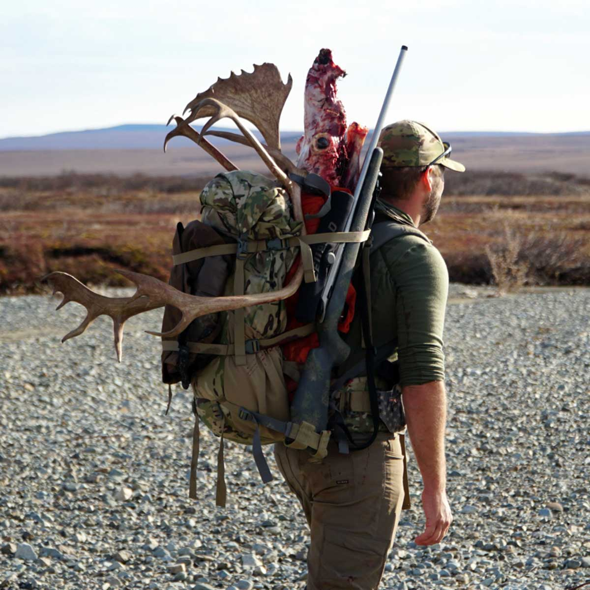 3200 Pack System with Caribou and Rifle