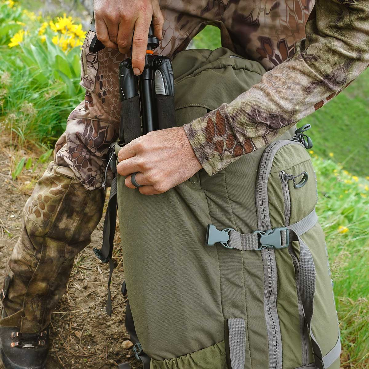 4800 Pack System Full-Length Side Pocket