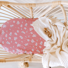 Load image into Gallery viewer, Daisy | Bassinet Sheet + Change Pad Cover