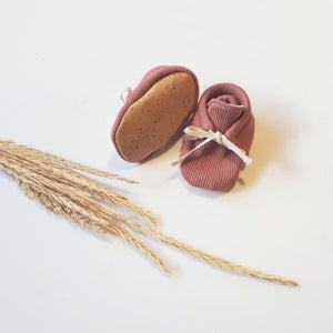 Rosewood | Sustainable Rib Newborn Kids Booties