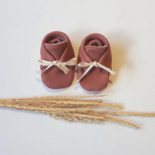 Load image into Gallery viewer, Rosewood | Rib Newborn Kids Booties