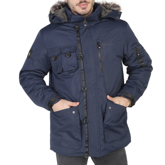 Geographical Norway - Amande_man