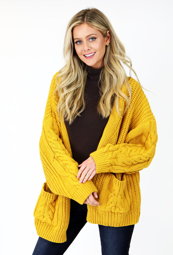 CHUNKY CABLE KNIT CARDIGAN - YELLOW