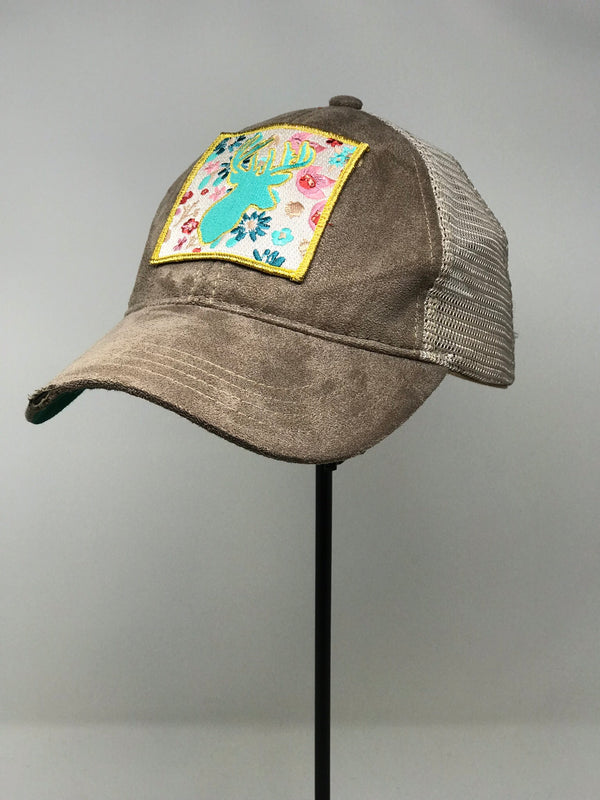 SUEDE HAT WITH EMBROIDERED DEER PATCH