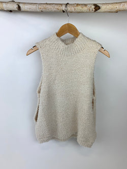 JUDITH MARCH BASIC FUZZY SLEEVELESS SWEATER- OATMEAL
