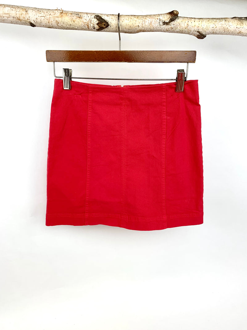 SIMPLE RED SKIRT