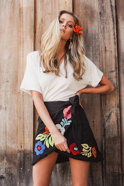 JUDITH MARCH BLACK GRAPHIC FLORAL EMBROIDERY WRAP SKIRT