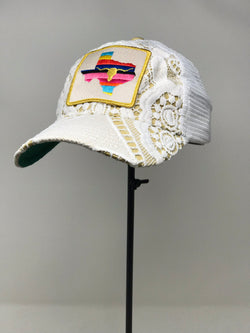 LACE HAT WITH EMBROIDERED TEXAS PATCH